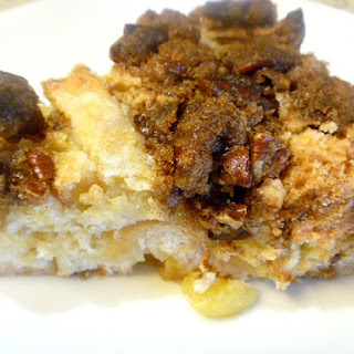 Bakery Style Apple Cinnamon Coffee Cake