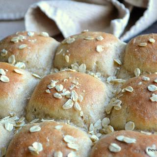 Quick Whole Grain Oat Rolls