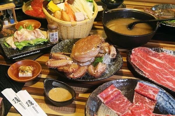 湧日式涮涮鍋中西區 冬季吃鍋,沒去過北海道也想來隻北海道毛蟹啊~搭配味噌湯頭好鮮甜啊!極黑翼板牛|極黑板腱牛。
