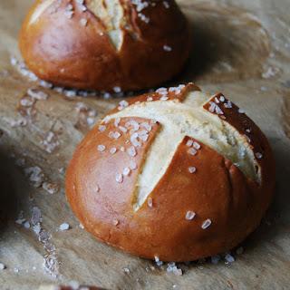 How To Make German Pretzel Buns.
