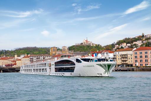 Uniworld-SS-Catherine-exterior2 - Uniworld's S.S. Catherine cruises the Douro River past Porto, Portugal.