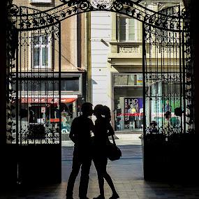 kiss in the dark by Marjan Gresl - People Couples (  )