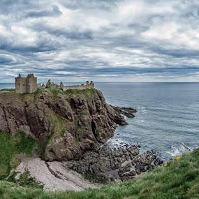 Donnotter Castle by Astrid Hagland Gjerde - Buildings & Architecture Public & Historical ( clouds, scotland, castle )