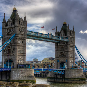 Tower Bridge Dark sky-1.jpg