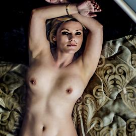 reflection by Gerrit de Graaff - Nudes & Boudoir Artistic Nude ( body, figure, nude, girl, bed, nikon, boobs, photography, photooftheday,  )