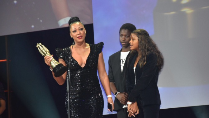 Lorcia Cooper with her children as she accepted her first Safta award on Saturday night.