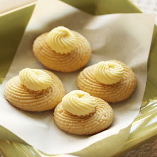 Twirly Lemon Butter Cookies with Lemon Buttercream Frosting