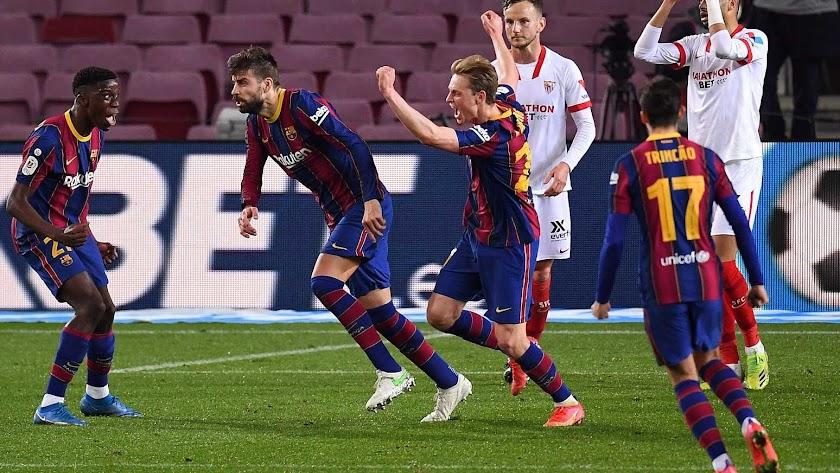 Los jugadores del Barça celebran la clasificación.