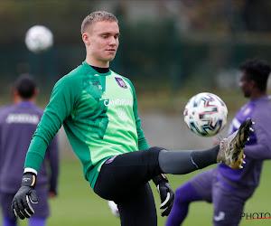 18-jarige Nederlander debuteert in doel van Anderlecht tegen Club Brugge
