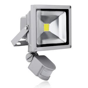 Proiector LED metalic cu senzor de miscare 10 W / 20 W / 30 W