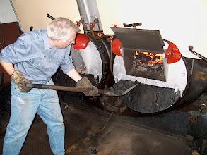Photo: Nog meer kolen op het vuur