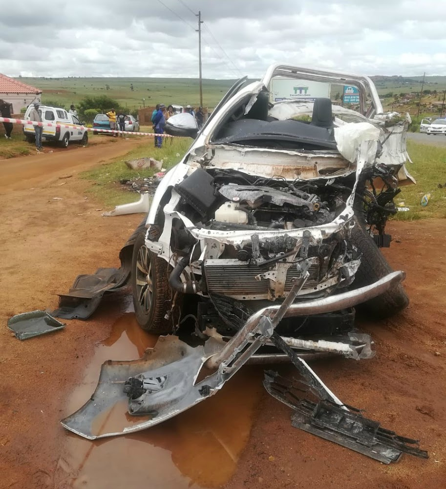 Five killed after bakkie collides with stationary truck in Limpopo - SowetanLIVE