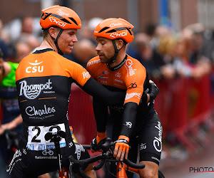 Speedbikers verstoren wielergebeuren in Sluitingsprijs, Van Staeyen geeft er eentje onder zijn voeten