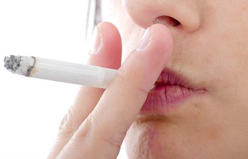 Người hút thuốc lá mỗi ngày có nguy cơ mắc bệnh tim và đột quỵ cao hơn 50%