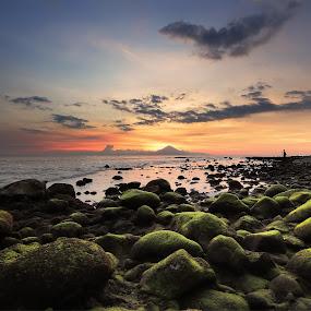 Sunset over the Agung Mountain by Rizal Amir - Landscapes Sunsets & Sunrises ( landscape beach lombok senggigi sunset )