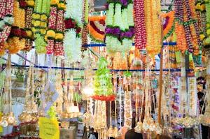 Deepavali in Singapore Gift shops