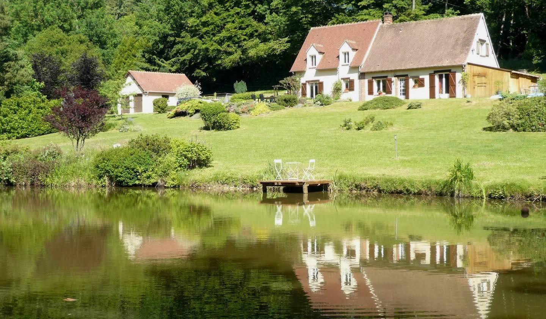 Maison contemporaine avec jardin et terrasse Rémalard