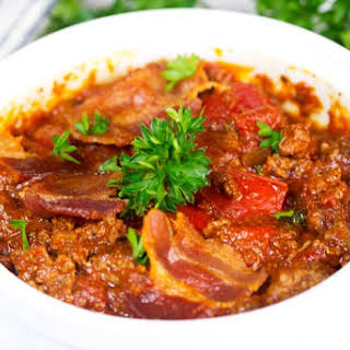 Slow Cooker Beef Chili With Bacon.