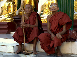 Photo: Yangon - Shwedagon Paya