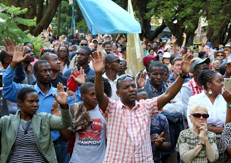 Temperature rises in Zimbabwe as war veterans call for ...