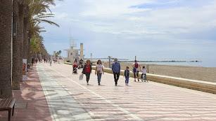 Almería recupera poco a poco su actividad.