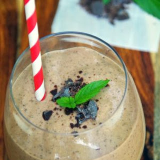 Mint Chocolate Chip Healthy Protein Smoothies.