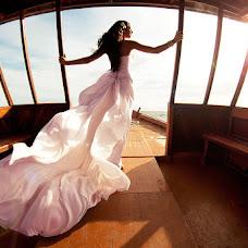 Wedding photographer Zhenya Luzan (tropicpic). Photo of 30.07.2015