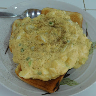Creamed Eggs on Toast.