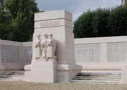 Alexander Robertson grave