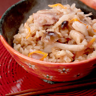 Rice with Chicken, Carrot and Shimeji Mushroom.
