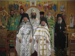 Фото: Монастырьское духовенство и пртоиерей Николай Спижевой