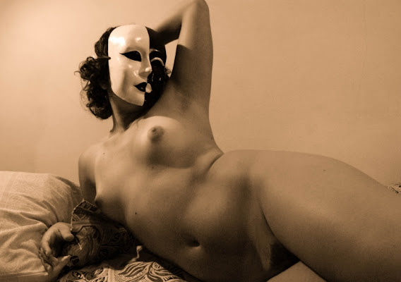 Eyes wide shut masquerade di kiarakija