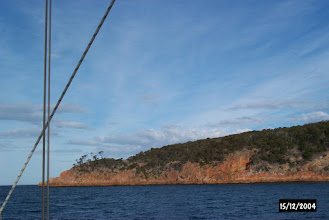 Photo: Freycinet peninsula side of Wineglass