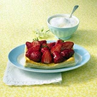 Erdbeer-Blätterteig-Törtchen