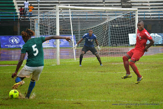 Photo: Mohamed 'Poborsky' Bangura puts in the cross that gives the Leone Stars their first goal [Leone Stars Vs. Equatorial Guinea, 7 Sept 2013 (Pic: Darren McKinstry)]