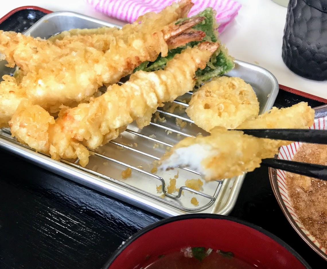 エビ天定食・980円