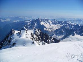 Photo: Mirando nuestra ruta de ascenso. Vaya rutón. Foto AH.