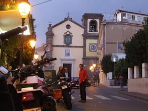 Photo: Sant'Agata ist eine unspektakuläre Ortschaft südlich von Sorrent, auf den grünen Hügeln der Halbinsel gelegen, die den Golf von Neapel von der Bucht von Salerno trennt. Nur, dass man vor lauter Grün kaum was von den berühmten Buchten zu sehen bekommt.