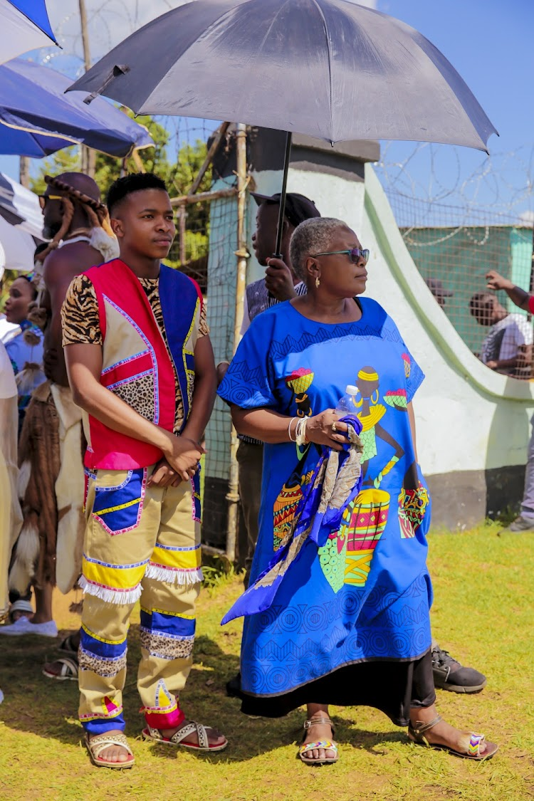 Photos  Isibayas Zulu Wedding Nails It-9276