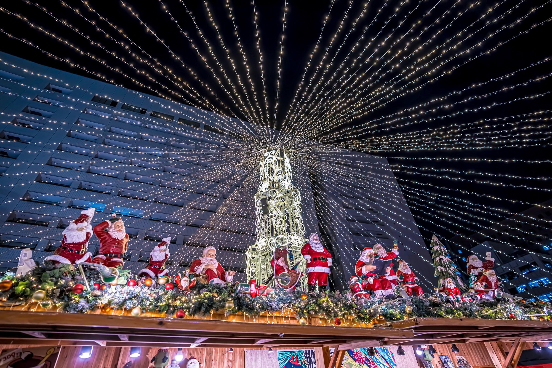 天神 福岡市役所西側ふれあい広場 TENJIN Christmas Market2