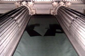 Photo: Conocimiento, columnas q sostienen el mundo (Instituto Cervantes, MAD)
