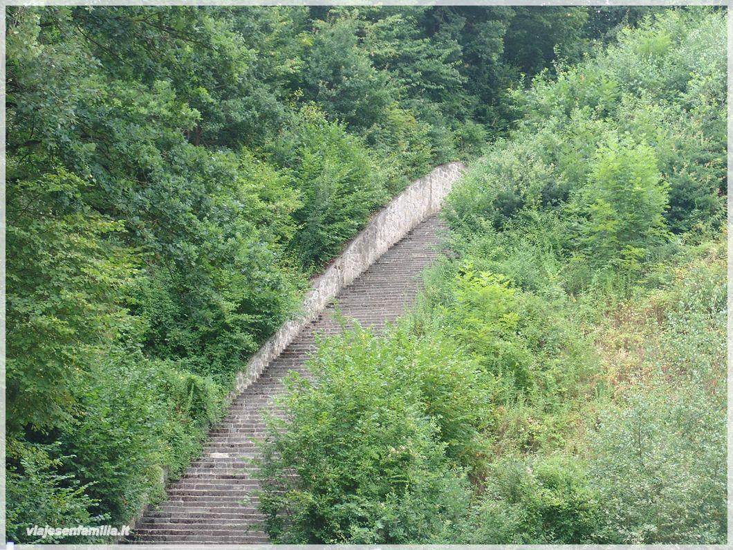 Photo: Campo de concentración de Mauthausen. Escalera de la Muerte. Austria http://www.viajesenfamilia.it/
