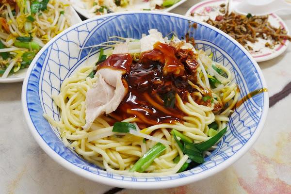 金榜麵館:三義超人氣小吃美食,份量多CP值高,假日總是大排長龍