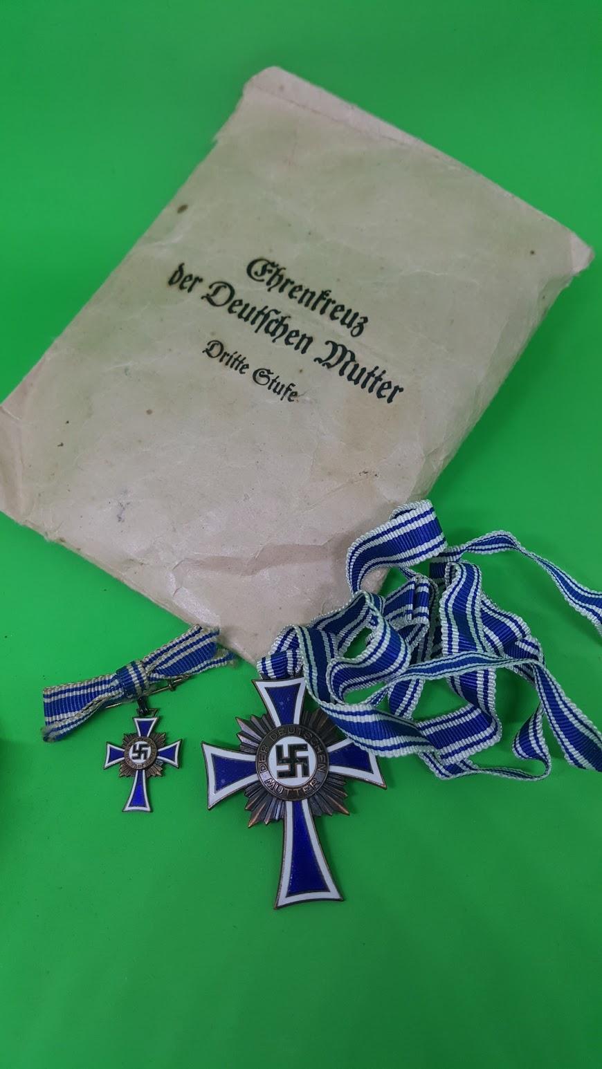 Ehrenkreuz der deutschen Mutter - Dritte Stufe - mit Anstecknadel