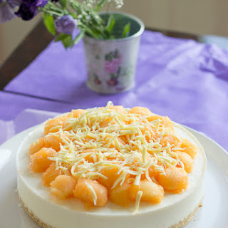 White Chocolate and Cantaloupe Yogurt Cake