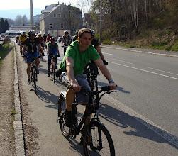 Photo: V zeleném triku jede manažer mezinárodního projektu Mobile 2020 - Tomáš Řeháček  Autor: Sylva Švihelová