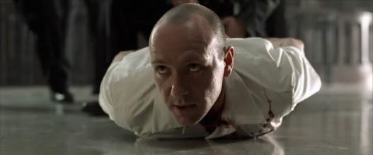 """Photo: Kevin Spacey numa atuação brilhante em""""Se7en - Os Sete Pecados Capitais""""."""