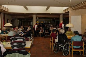 Photo: Fröhliche Zuhörerschaft