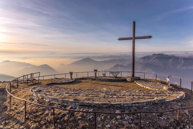 L'uomo, Dio e la montagna di utente cancellato