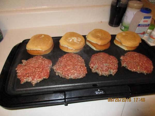 Classic Hamburger Or Cheeseburger (sallye) Recipe